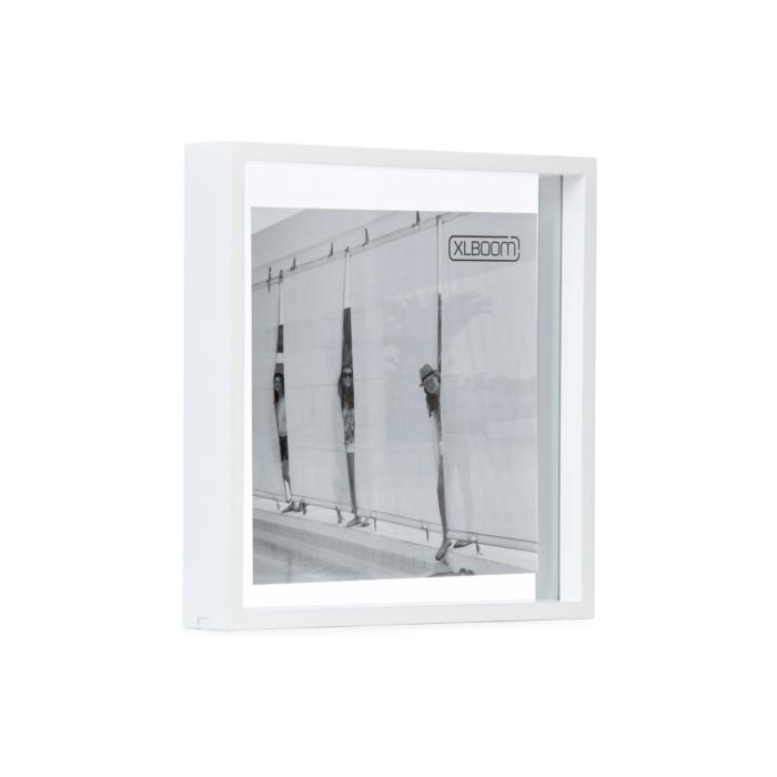 white Square Floating box 32x32