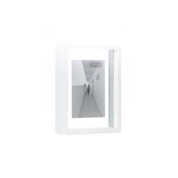white Floating Box 20x25