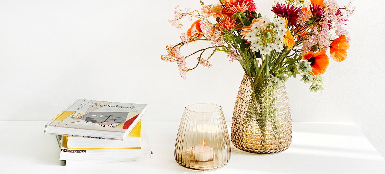 Dim Vase Amber Light